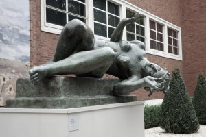 The Portland Art Museum had these gorgeous sculptures of woman on the street. I'm not sure what this one was doing. I think she was tumbling.